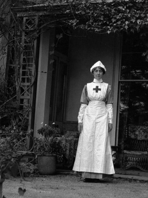 Agatha chrisite in her uniform during her period as a nurse in WW1